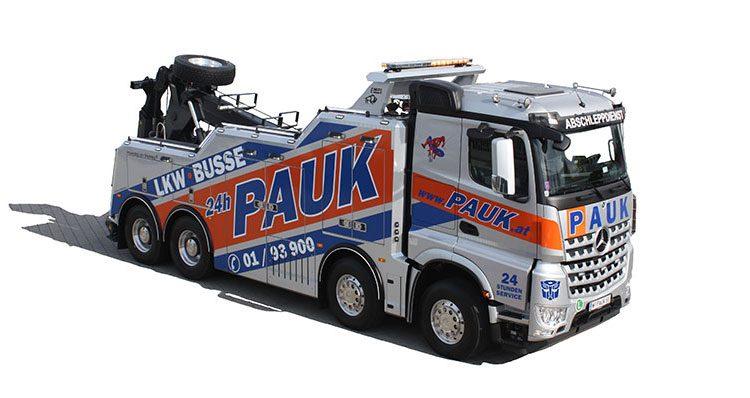 Pauk_Fuhrpark_01 Mercedes 4achser LKW Abschleppdienst
