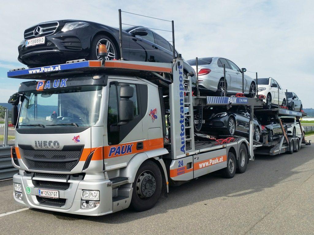 IVECO Abschleppfahrzeug - Autotransporter