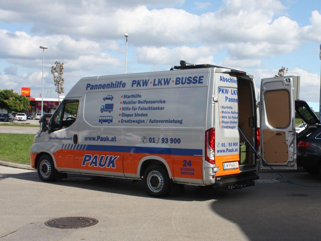 Abschleppdienst_PAUK_Wien_Pannenhilfe_Fahrzeug