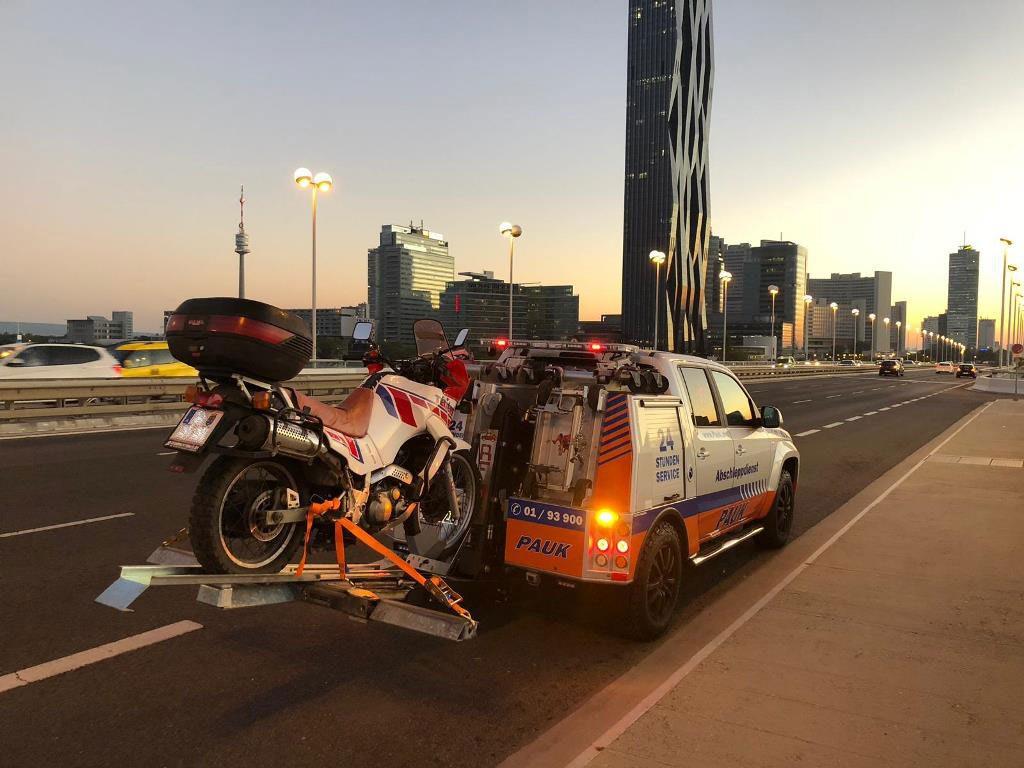 Pauk_Motorrad_Abschleppdienst_Wien_IVECO