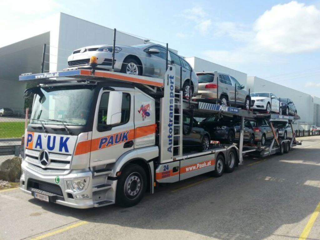 MERCEDES Arctos Autotransporter