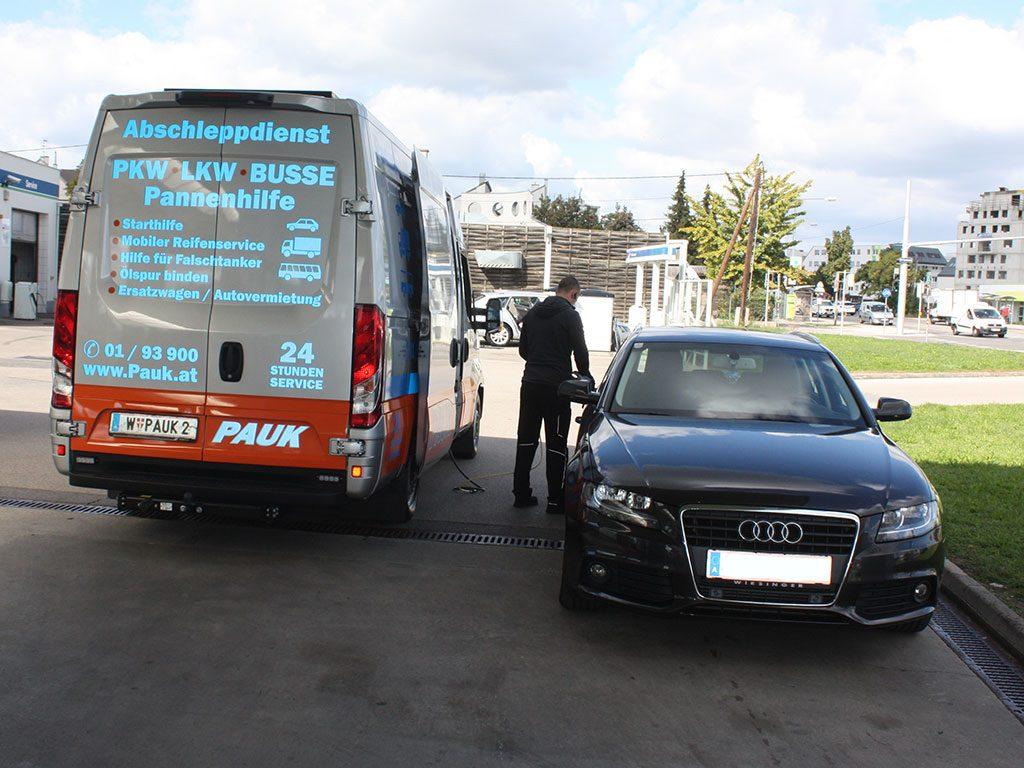 PAUK Pannenhilfe Fahrzeug Falschtanker in Wien