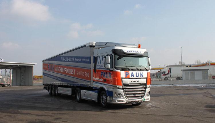 towing service Vienna pauk-planentransporte_01